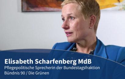 Blaue Couch – Elisabeth Scharfenberg MdB contec