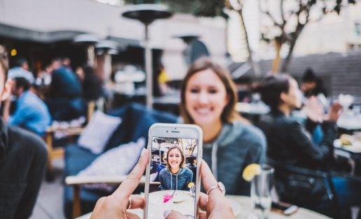 Digitale Helfer - Mit dem Smartphone zu mehr Teilhabe?