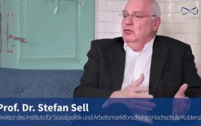 Blaue Couch: Prof. Dr. Stefan Sell über die Konzertierte Aktion Pflege