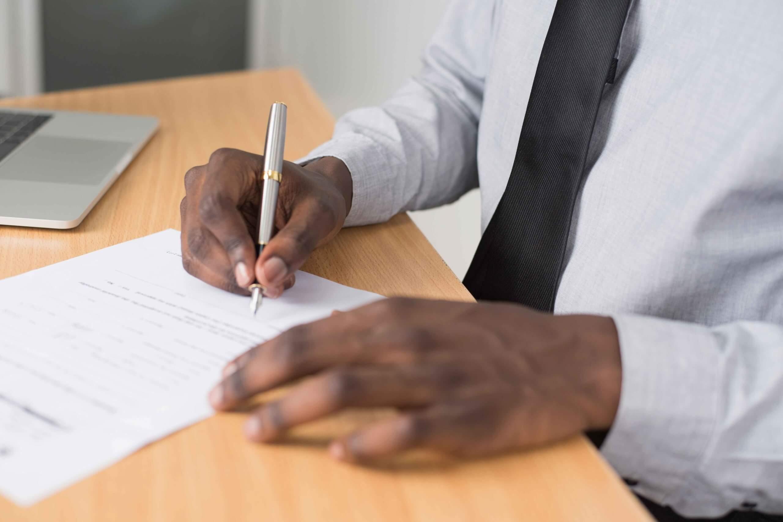 Vertragsunterzeichnung Personalien